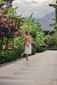 Parktaki kadın — Stok fotoğraf