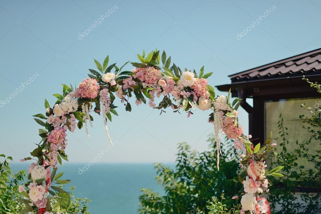 arc de mariage floral photographie alekuwka 51344327. Black Bedroom Furniture Sets. Home Design Ideas