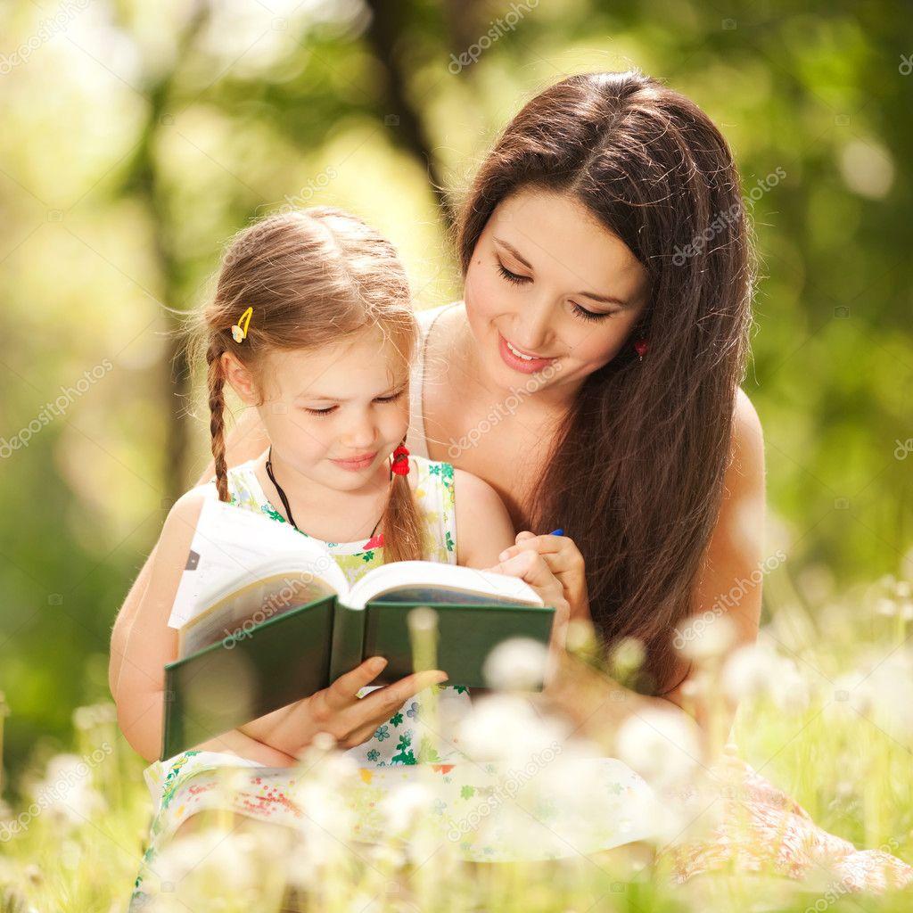 Родители обучают дочку фото 4 фотография