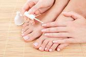 Cuidado de las uñas de mujer de sensualidad — Foto de Stock