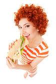 Divertimento donna con sandwich su fondo bianco — Foto Stock
