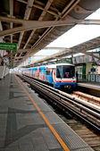 BANGKOK, THAILAND - JUNE 25: The Tracks of train on sky train in — Stock Photo