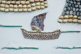 Shell lodi na zeď na pozadí — Stock fotografie