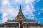 Perizoma di khao phu pagoda in ayutthaya, thailandia — Foto Stock