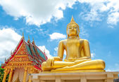 Статус Будды в храме — Стоковое фото