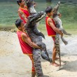 SAMUTPRAKARN,THAILAND-OCTOBER 27: crocodile show at crocodile fa — 图库照片
