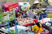 AMPAWA SAMUTSONGKRAM,THAIL AND - April 19, 2014: Most famous flo — Stock Photo