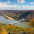 Bridge Over the Hudson River Valley in Fall — Foto de Stock