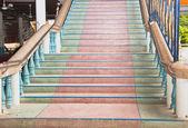 Vícebarevné schody. — Stock fotografie