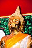 статуя будда. — Стоковое фото