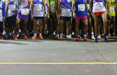 Runners ready to run at starting point — Stock Photo