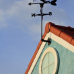 windturbine en blauwe hemel — Stockfoto
