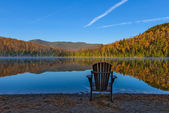 Beautiful autumn view of Heart Lake in Lake Placid — Stock Photo