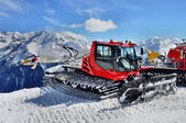 Snow Groomer in Alps — Foto de Stock
