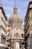 Katedralen i pilar i zaragoza, spanien — Stockfoto