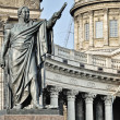Statue and Kazan Cathedral, Saint Petersburg — Stock Photo