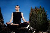 Outdoor yoga session in beautiful place - meditation — ストック写真
