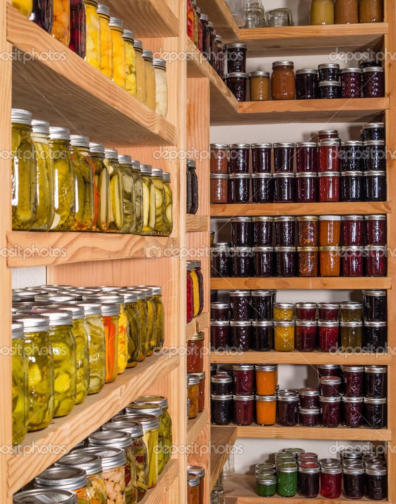 Полки хранения с консервы - Стоковое фото zigzagmtart #30012123