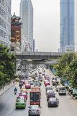 Intenso tráfico en la ciudad, bangkok, Tailandia — Foto de Stock