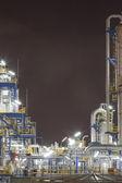 Chemiczna przemysłowy w nocy — Zdjęcie stockowe