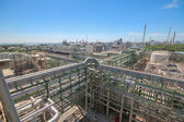 Refinery Industrial plant with blue sky — Zdjęcie stockowe