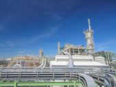 Oil and Chemical plant with blue sky — Stock Photo