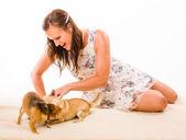 Mulher e cachorros — Fotografia Stock