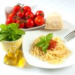 Spaghetti with tomatoes — Stock Photo #12686877