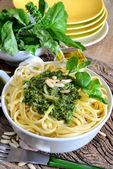Linguine pasta by pesto — Stock Photo