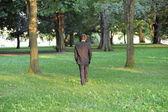 Paseando por el parque. — Foto de Stock