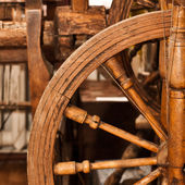 Antique spinning wheel — Stock Photo