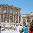 Tourists visiting the ancient city of Ephesus, near Izmir, Turkey. — Stock Photo