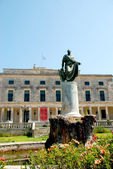 Frederick Adam statue and Palace of Saints Michael and George, Corfu island, Greece — Stock Photo