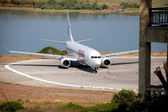 Plane arrives at the airport in Kerkyra, Corfu Island, Greece — Stock Photo