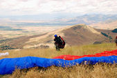 Preparation before flight Paragliding in Macedonia — Stock Photo