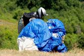 Preparação antes do voo de parapente na macedónia — Foto Stock