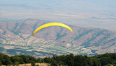 Exercise of the sky Paragliders in Prilep, Macedonia — Stok fotoğraf