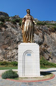 Bronze sculpture of the Virgin Mary i — Stock Photo
