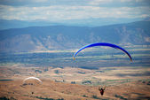 Exercise of the sky  Paragliders in Prilep, Macedonia — Stock Photo