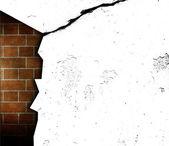 Crakeado pared abierta con visible interior brickwall — Foto de Stock