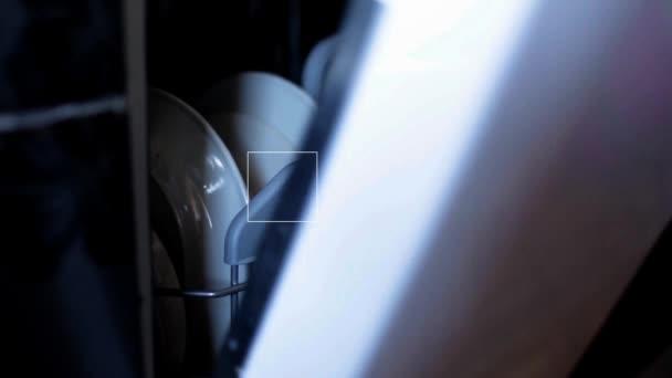 Vídeo Fullhd de apertura de primer plano de lavadora de plato — Vídeo de stock