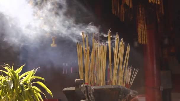 Resultado de imagem para incenso no templos chineses