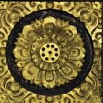 Gold lotus pattern on temple door — Stock Photo