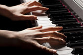 Hand of a pianist — Stock Photo