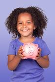 存钱罐可爱的非洲小女孩 — 图库照片