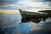 Old wreck in the lake — Stock Photo
