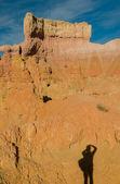 Sombra del fotógrafo en bryce canyon y utah — Foto de Stock