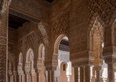 Wnętrze pałacu alhambra pałac, granada, hiszpania — Zdjęcie stockowe