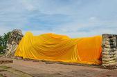 Reclining Buddha at Wat Lokayasutharam, Ayutthaya — Stock Photo