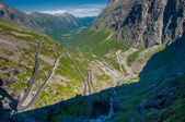 Trollstigen, Troll's Footpath, serpentine mountain road in Norwa — Stockfoto